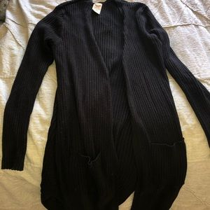Long comfy black sweater 🖤